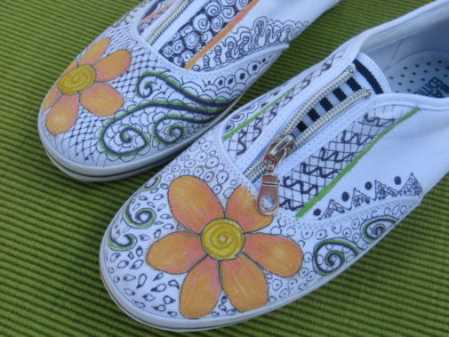 Painting Shoes with flower art and doodles is a fun summer activity from myflowerjournal.com