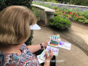 Plein air painting in the garden can be such a pleasant experience. Here are my tips and ideas for a succssful day plein air painting in the garden. myflowerjournal.com